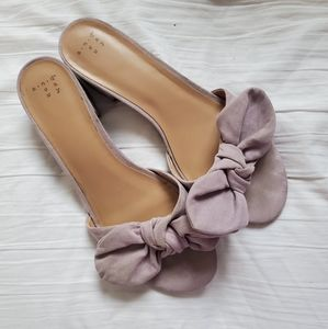 These lilac pretty shoes are all you need!